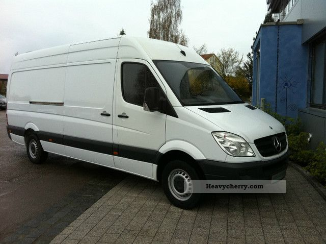 2009 Mercedes-Benz  313 CDI Van or truck up to 7.5t Box-type delivery van - high and long photo