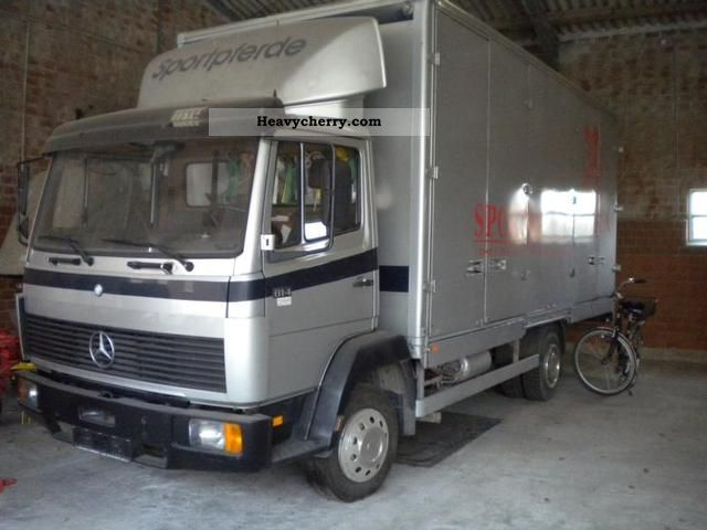 1989 Mercedes-Benz  814 Van or truck up to 7.5t Cattle truck photo