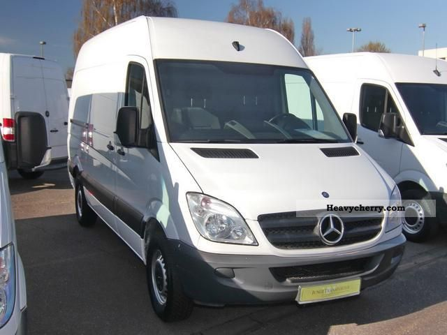 mercedes benz sprinter 213 cdi 5 2009 box type delivery van photo and specs. Black Bedroom Furniture Sets. Home Design Ideas