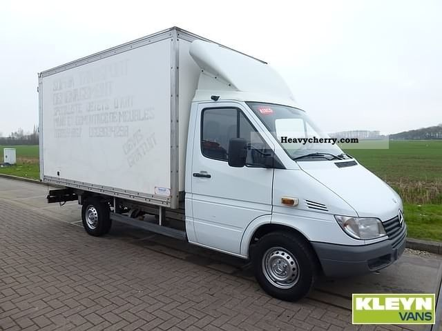 mercedes benz sprinter 313 cdi 2002 box type delivery van photo and specs. Black Bedroom Furniture Sets. Home Design Ideas