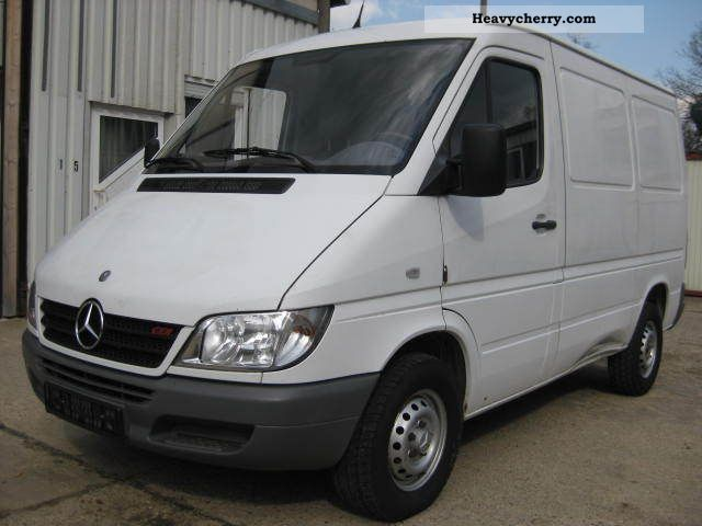 2003 Mercedes-Benz  211 CDI with air Van or truck up to 7.5t Box-type delivery van photo