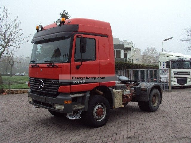 1999 Mercedes-Benz  2040 4x4 steel suspension Semi-trailer truck Heavy load photo
