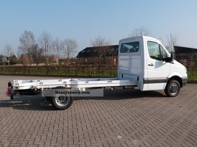 Mercedes benz sprinter 519 cdi chassis cabin wb 0km for Mercedes benz sprinter chassis