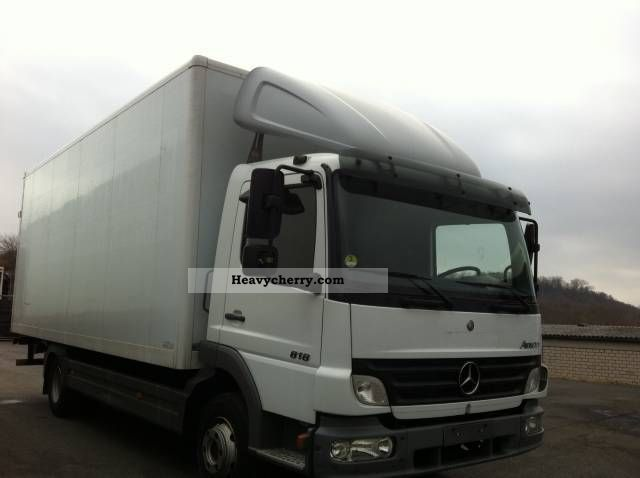 Mercedes benz 818 atego case 2006 box truck photo and specs for Mercedes benz box truck