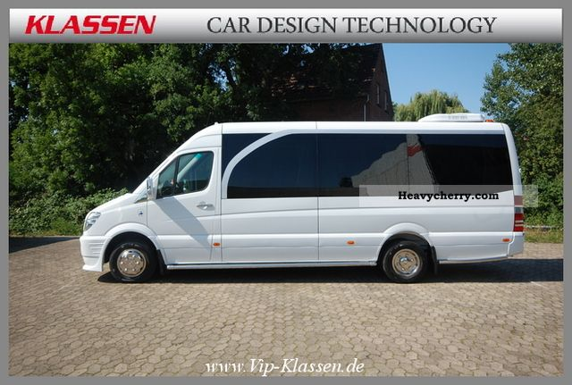 Mercedes benz sprinter 519 cdi class deluxe risdal for Mercedes benz touring coach