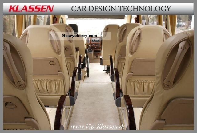 2011 Mercedes-Benz / Sprinter 519 / Deluxe Class / No.: 2001 Coach