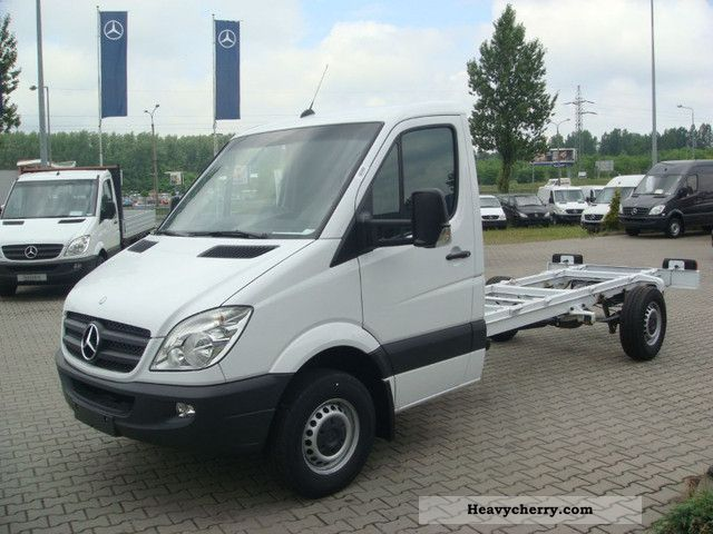 mercedes benz sprinter 316 cdi 2011 chassis truck photo. Black Bedroom Furniture Sets. Home Design Ideas