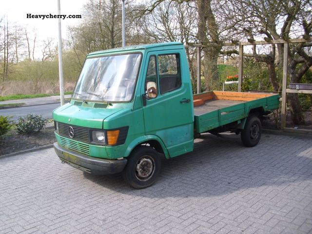 Mercedes Benz 207 D 1988 Stake Body Truck Photo And Specs