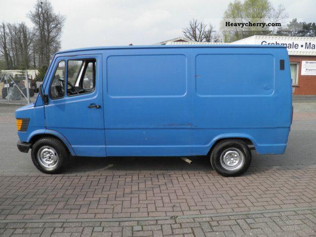 1988 Mercedes-Benz  207-307 Van or truck up to 7.5t Box-type delivery van photo