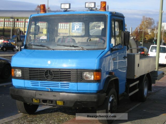 1995 Mercedes-Benz  711 D sewage truck - toilet trailer * VANGUARD 1 Van or truck up to 7.5t Stake body photo