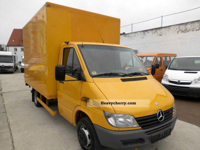 mercedes benz sprinter 416 cdi 2001 box truck photo and specs. Black Bedroom Furniture Sets. Home Design Ideas