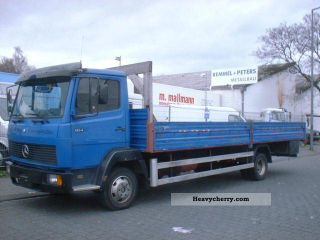 1990 Mercedes-Benz  814 with long platform Van or truck up to 7.5t Stake body photo