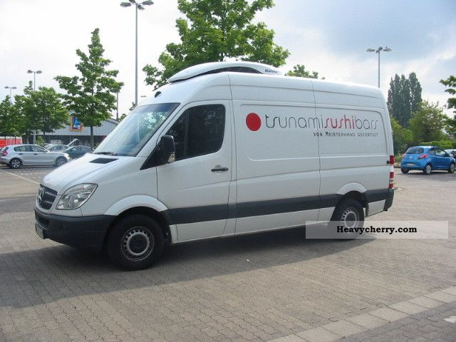 Refrigerator box van or truck up to commercial for Mercedes benz sprinter service