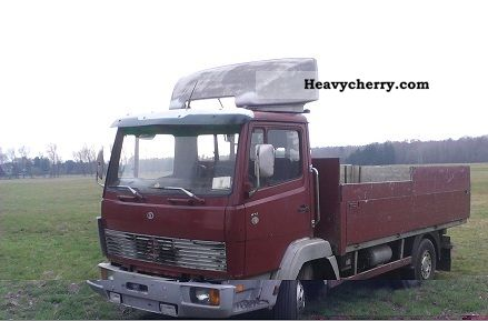 1986 Mercedes-Benz  814 Van or truck up to 7.5t Stake body photo