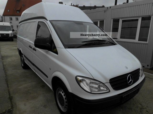 mercedes benz vito 111 cdi 2005 box type delivery van high and long photo and specs. Black Bedroom Furniture Sets. Home Design Ideas