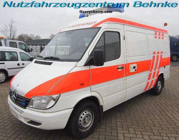 mercedes benz 313 cdi sprinter ambulance with wheelchair. Black Bedroom Furniture Sets. Home Design Ideas