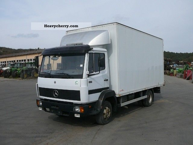 Mercedes benz 814 1994 box truck photo and specs for Mercedes benz box truck