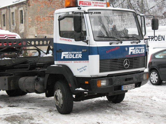 1992 Mercedes-Benz  814 Towing vehicle with glasses / Plateau Van or truck up to 7.5t Breakdown truck photo