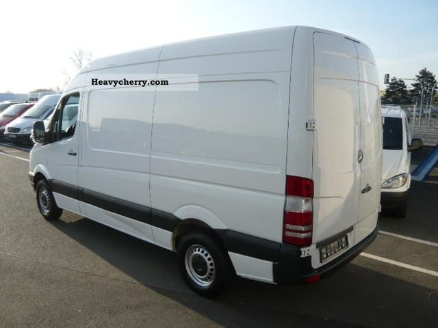 mercedes benz sprinter 213 cdi medium high roof 2009 box type delivery van high photo and specs. Black Bedroom Furniture Sets. Home Design Ideas