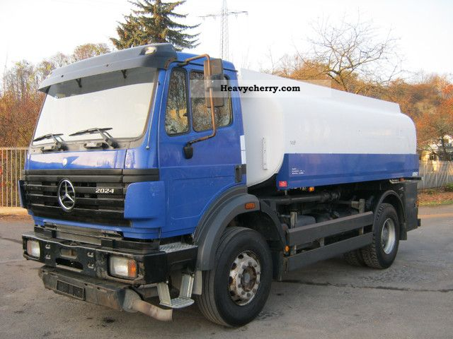 Mercedes benz 2024 14370ltr pr fung 03 2014 3 chambers for Mercedes benz gas chambers