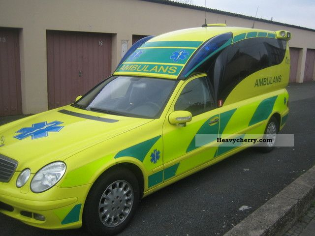 Mercedes benz e 270 cdi 2006 ambulance truck photo and specs for Mercedes benz training and education
