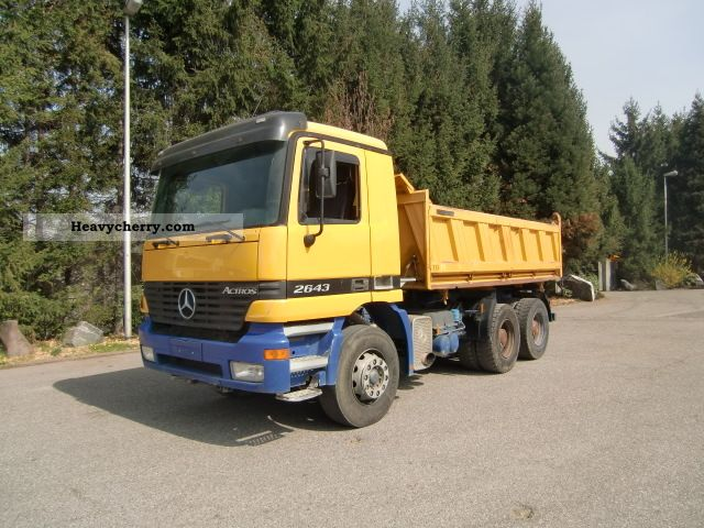 1999 Mercedes-Benz  2643, 6x4, 3-side tipper reactors Truck over 7.5t Tipper photo