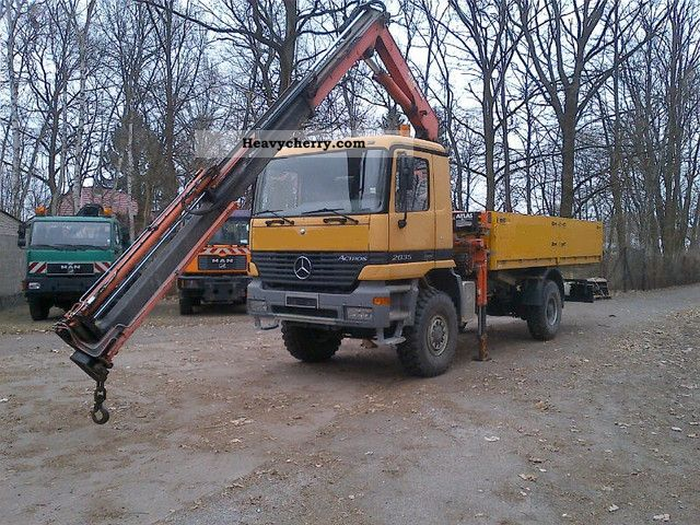 1999 Mercedes-Benz  2035 4x4 + radio remote-controlled atlas 140.1 Truck over 7.5t Truck-mounted crane photo