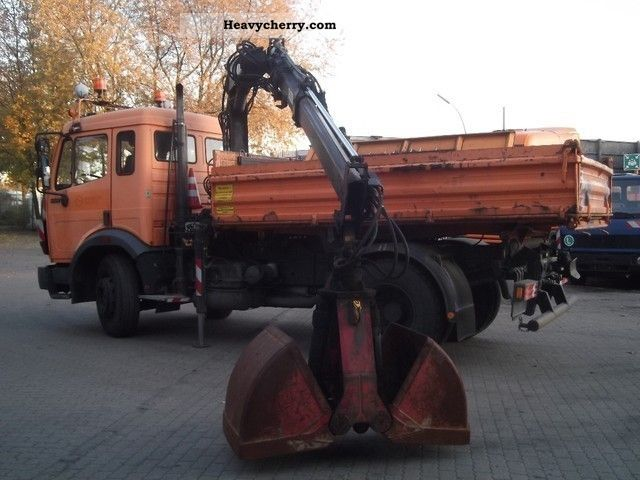 1994 Mercedes-Benz  1417 three-way tipper with loading crane hiab 071 Truck over 7.5t Truck-mounted crane photo