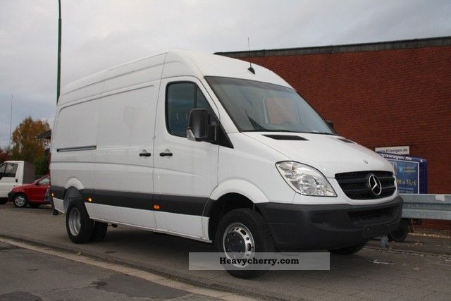 Mercedes sprinter 416 cdi specifications