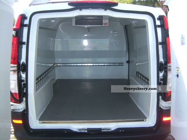 mercedes benz vito 109 cdi refrigerator 2008 refrigerator box truck photo and specs. Black Bedroom Furniture Sets. Home Design Ideas