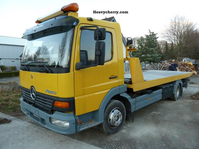 1999 Mercedes-Benz  815 Atego tow Van or truck up to 7.5t Breakdown truck photo