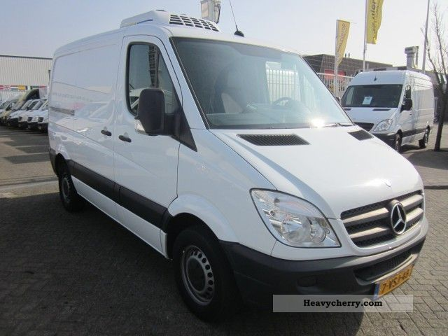 mercedes benz sprinter 211 cdi 325 3000 functional 2008. Black Bedroom Furniture Sets. Home Design Ideas