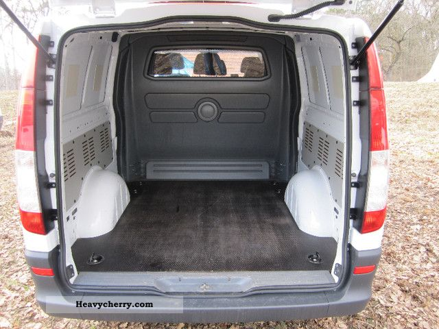 mercedes benz vito 111 mixto 6 seater extra long top condition 2009 box type delivery van. Black Bedroom Furniture Sets. Home Design Ideas
