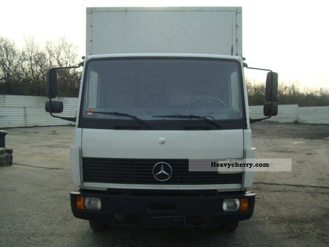 Mercedes benz 814 1995 box truck photo and specs for Mercedes benz box truck