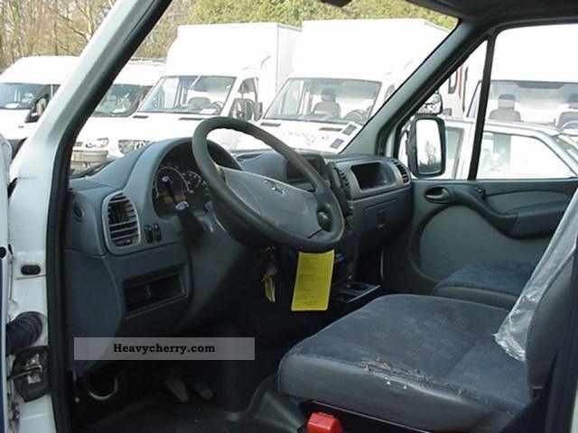 Mercedes benz sprinter 413cdi bakwagen 2006 box truck for 2006 mercedes benz sprinter specs