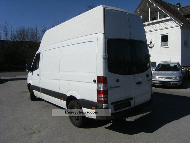 Mercedes benz sprinter 213 cdi extra high roof air for Mercedes benz roof box