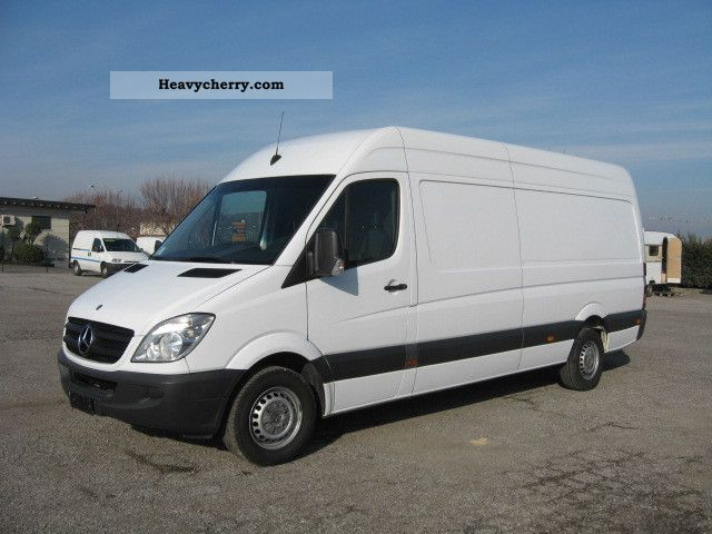 Mercedes benz sprinter 318 cdi lang high maxi price 11 for Mercedes benz sprinter price list