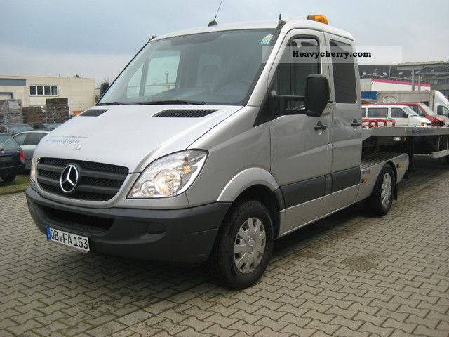 Mercedes benz sprinter 2008 breakdown truck photo and specs for 2008 mercedes benz truck
