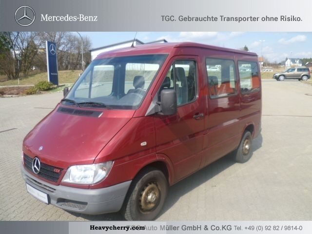 mercedes benz sprinter 213 cdi estate 2002 estate minibus up to 9 seats truck photo and specs. Black Bedroom Furniture Sets. Home Design Ideas