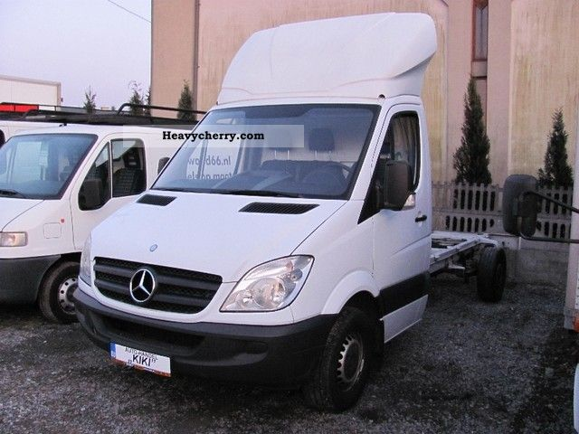 2006 Mercedes-Benz  315 Van or truck up to 7.5t Chassis photo