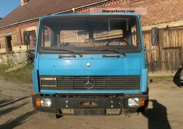 1988 Mercedes-Benz  914 Flatbed / Chassis - 2 Hand Truck over 7.5t Stake body photo