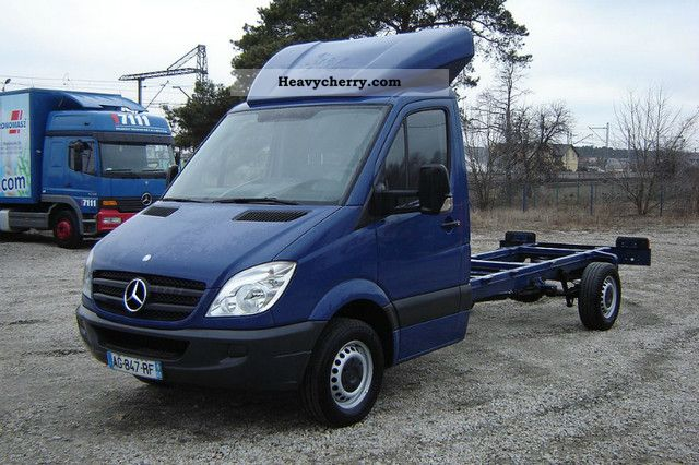 Mercedes benz sprinter 316 2 2cdi 2009 chassis truck photo for Mercedes benz sprinter price list