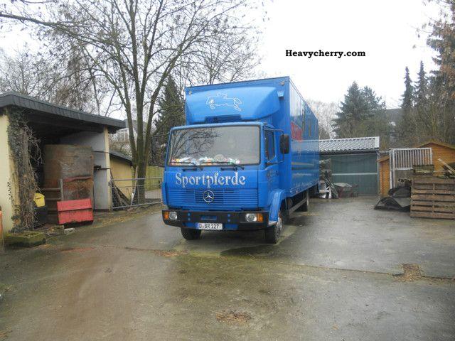 1989 Mercedes-Benz  817 L horsebox Van or truck up to 7.5t Cattle truck photo