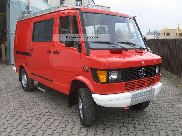 mercedes benz 310 4x4 1990 box type delivery van photo and specs. Black Bedroom Furniture Sets. Home Design Ideas