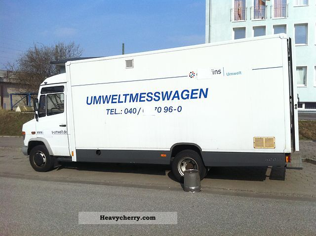 1998 Mercedes-Benz  814D Van or truck up to 7.5t Box-type delivery van photo
