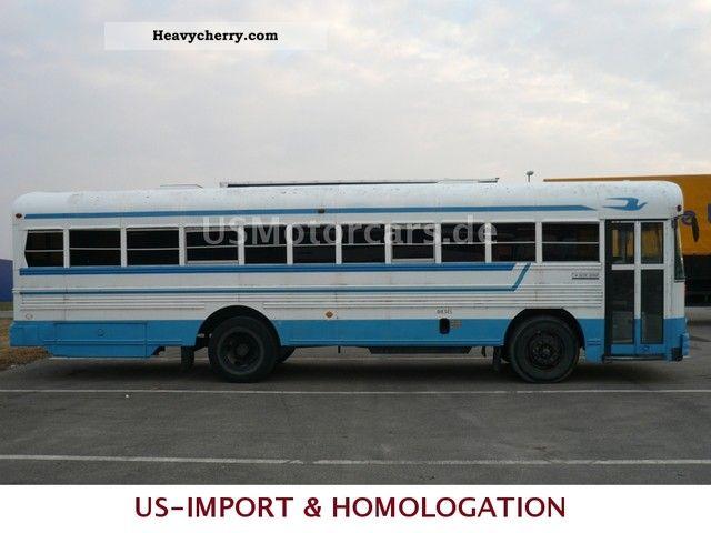 Mercedes benz school bus 44 seat cummins 5 9 td blue bird for Mercedes benz school