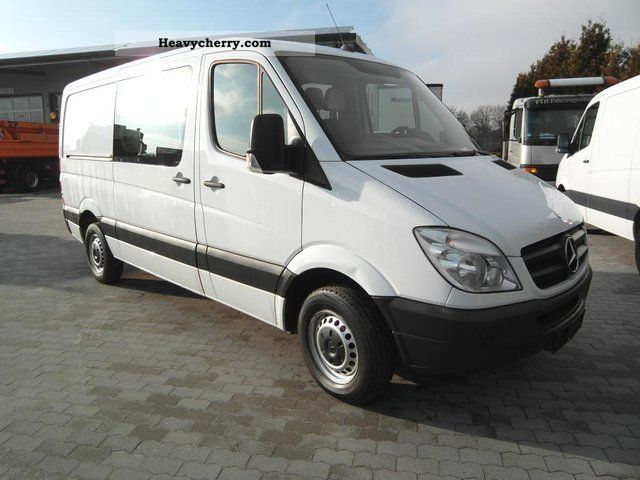 mercedes benz sprinter 211 cdi box truck long 4 2009 box. Black Bedroom Furniture Sets. Home Design Ideas