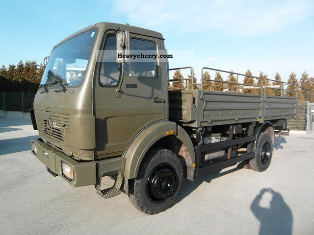 1986 Mercedes-Benz  1017 A 4x4 flatbed tarp 10 x's stock Truck over 7.5t Stake body photo