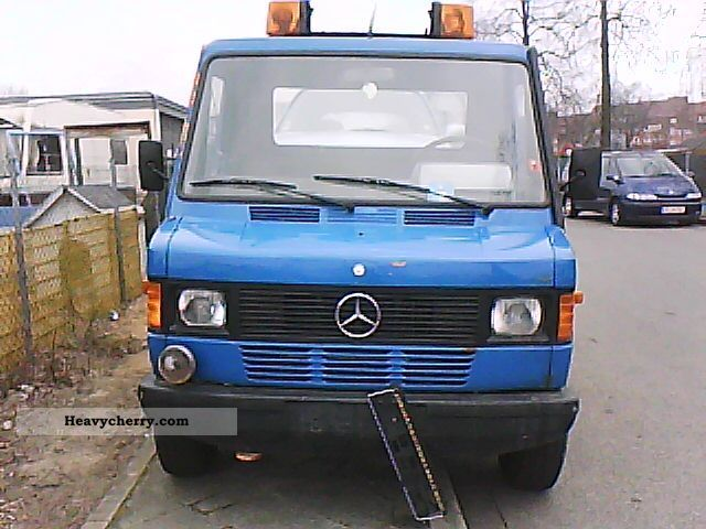 1991 Mercedes-Benz  308, TUV 09/2012, Anhengerkuplung Van or truck up to 7.5t Breakdown truck photo