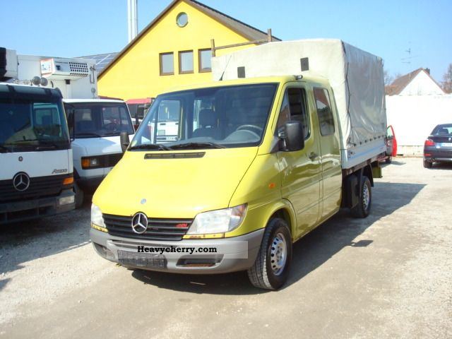 2001 Mercedes-Benz  313 CDI Van or truck up to 7.5t Stake body photo